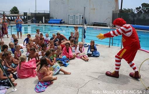 Ronald McDonald und Kinder