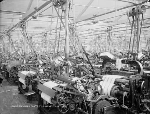 Vorschaubild: Flachsspinnerei - Fabrikhalle während Industrialisierung, Irland, ca. 1897