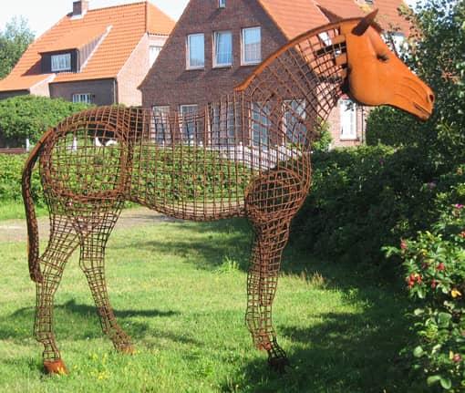 Pferd aus Stahlstaeben