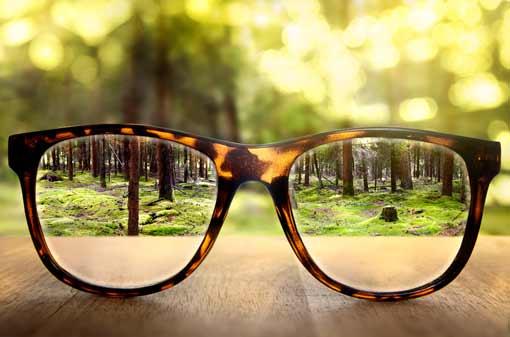Perspektive durch Brille