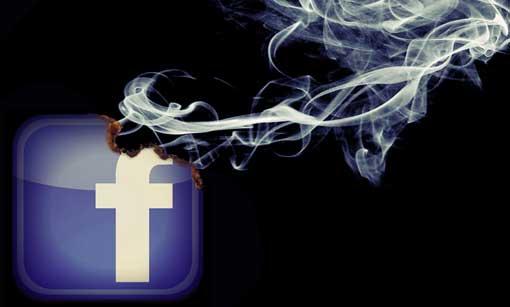 Facebook-Logo verbrennt