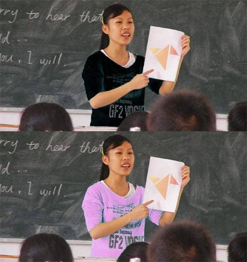 Lehrerin mit 2 unterschiedlichen Pulloverfarben