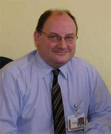 Fotografie eines Mannes, der für das Arbeitsblatt 'Personenbeschreibung' beschrieben werden soll