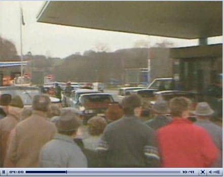 Bildschirmfoto der tagesschau vom 9. November 1989 - Schlangen von DDR-Bürger/innen bei der Einreise in die BRD