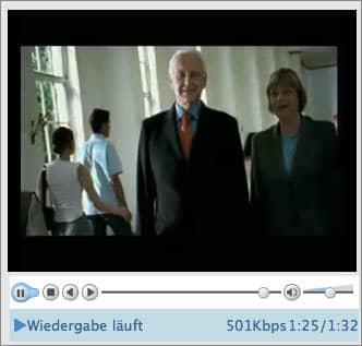Screenshot: Ausschnitt aus dem Wahlwerbespot der CDU 2002, im Bild: Edmund Stoiber als Kanzlerkandidat, Angela Merkel trottet nebenher.